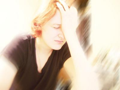 Why migraine headaches get worse with light exposure?