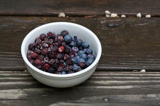 Berries may reduce high blood pressure