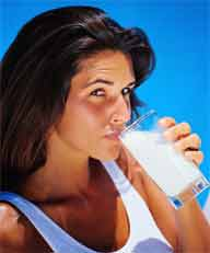 Grab a glass of milk when you're on diet