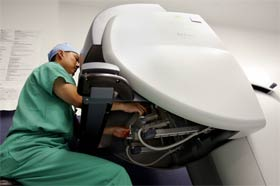 Penn Surgeons Use Robotic Surgery to Treat Prostate Cancer